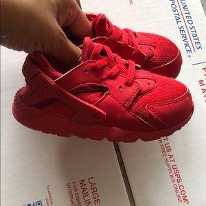 Nike Air Huarache Red
